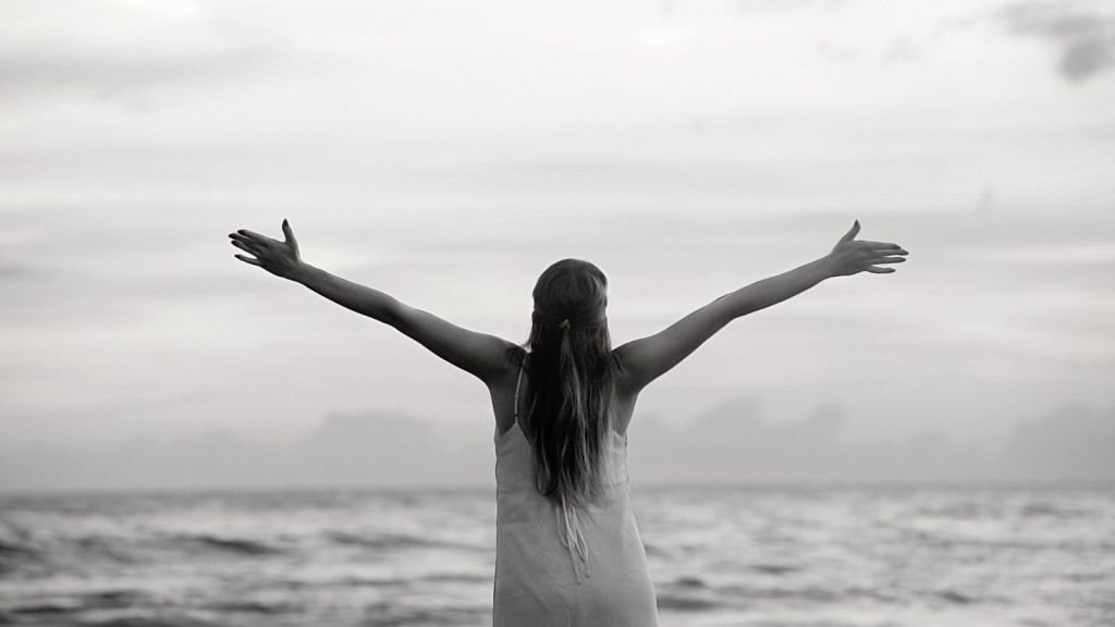 Visit www.saralivingfree.com to discover how to find true freedom in your life.
